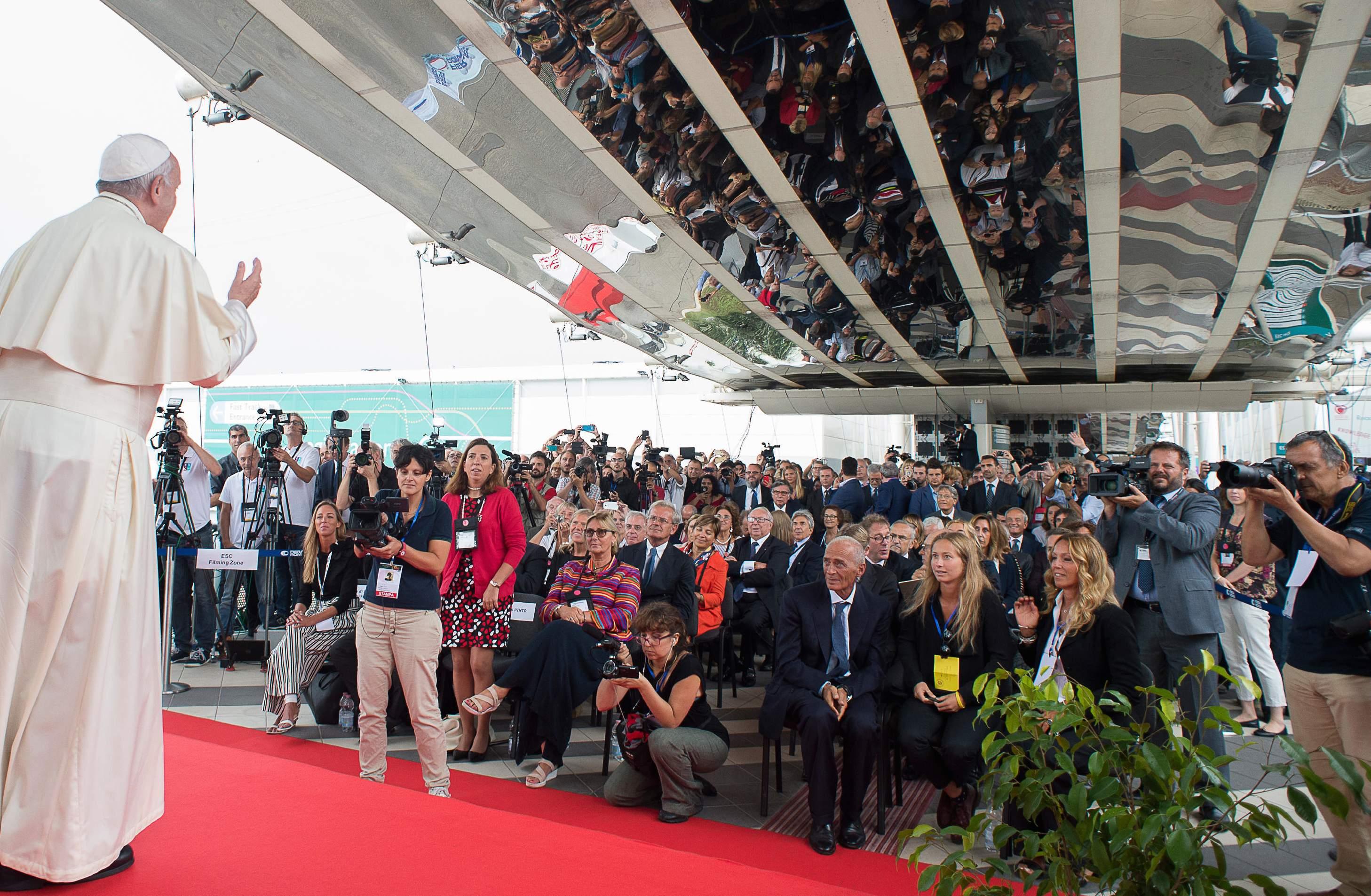 El Papa en el congreso de cardiologia (© Osserv. Romano)
