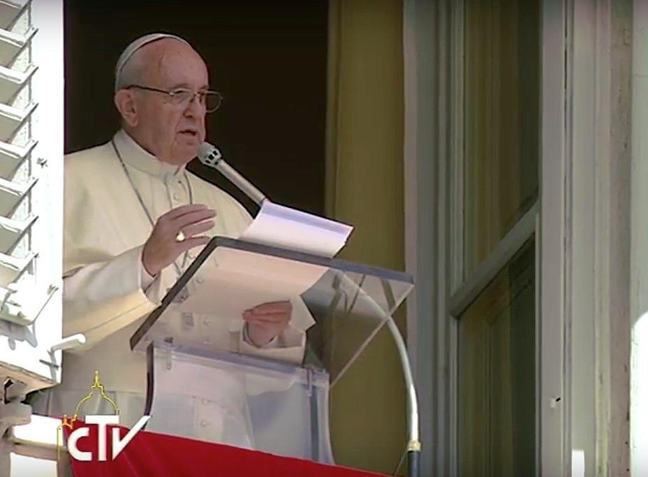 Papa en el Angelus