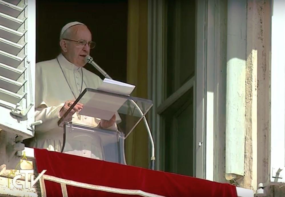 El Papa en el Ángelus del domingo