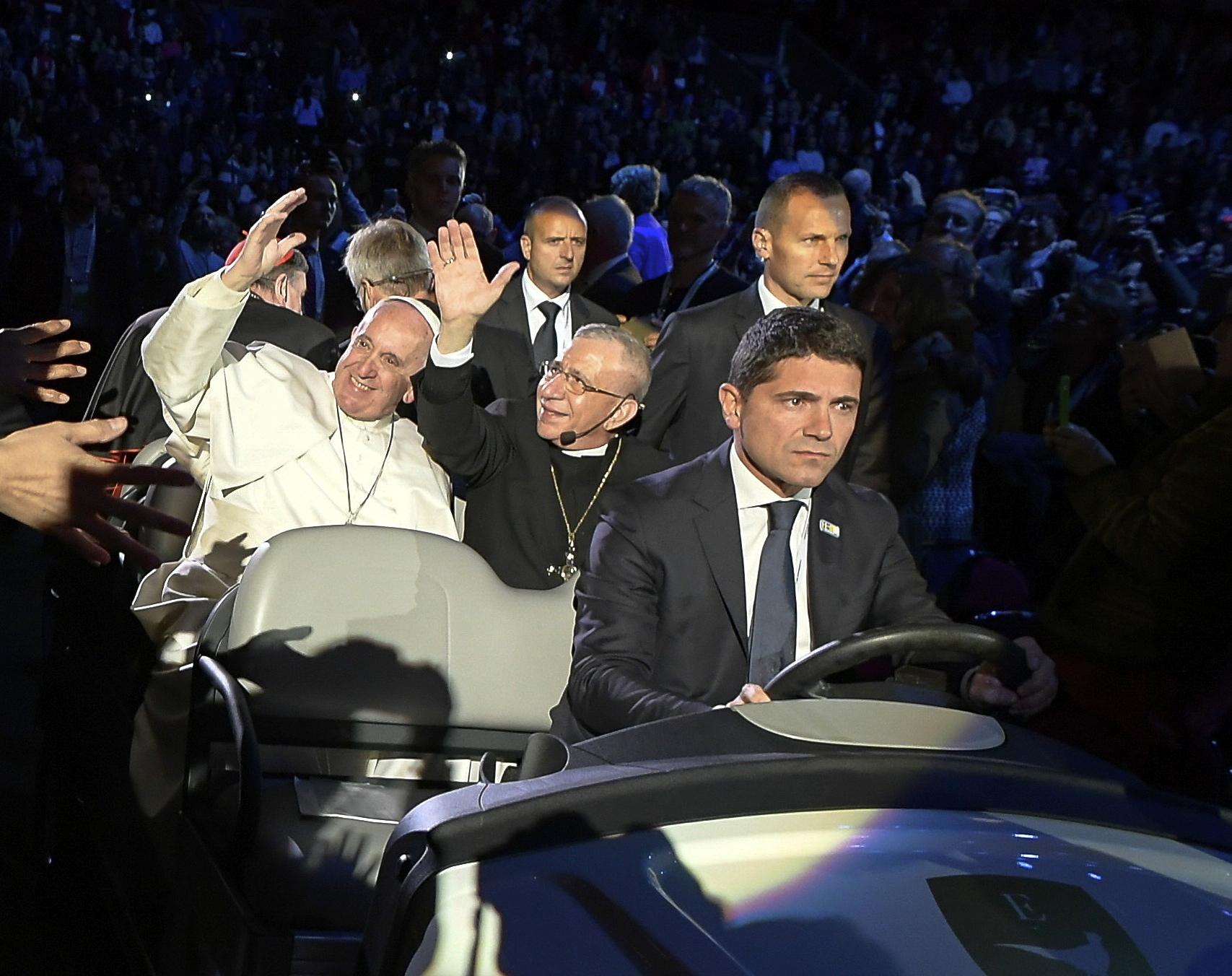 El papa en la Arena de Malmo (Osservatore © Romano)