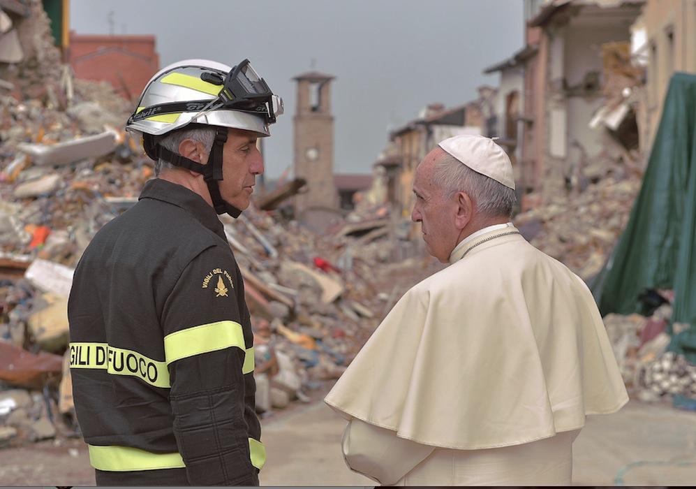 El papa Francisco en Amatrice (Osservatore Romano ©)