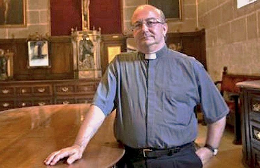al sacerdote Francisco Simón Conesa Ferrer (Facebook iglesia Santa María en Menorca)