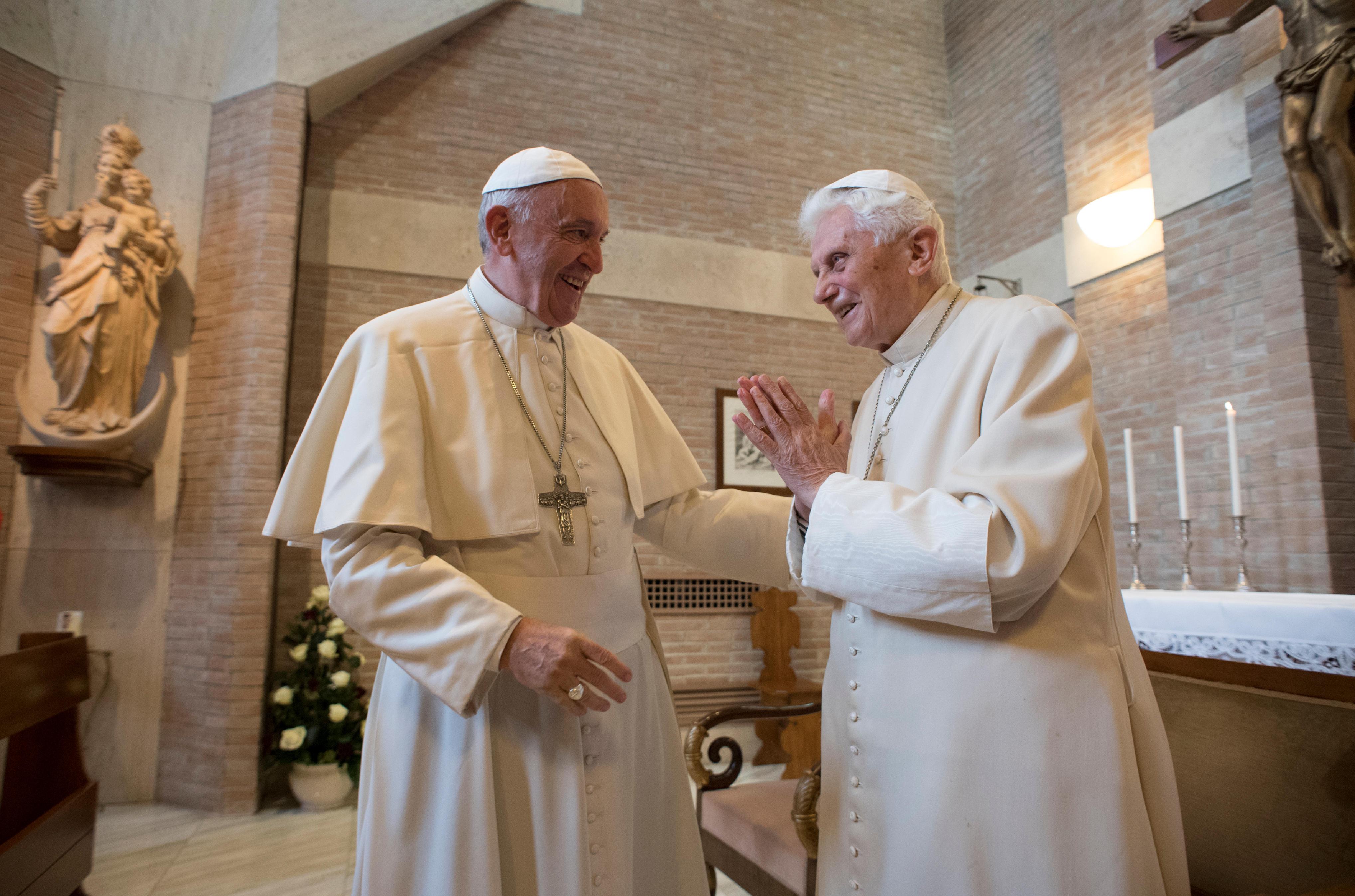 El Papa Francisco y Benedicto XVI, 13 de abril de 2017 © Osservatore Romano