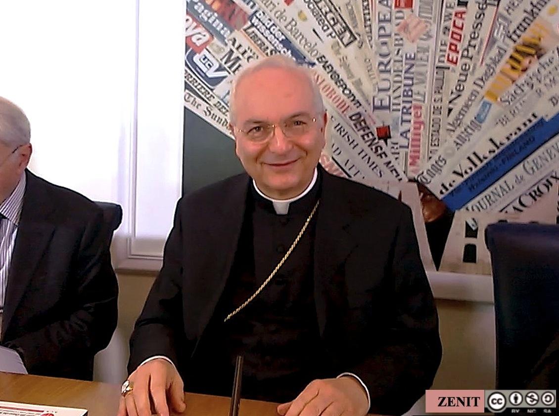El Cardenal Mauro Piacenza. Archivo ZENIT