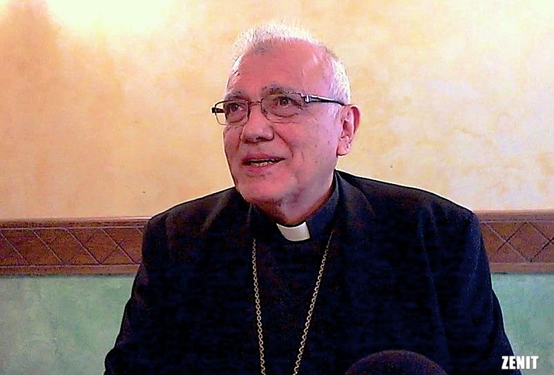 Mons. Enrique Porras durante un desayuno de trabajo en Roma