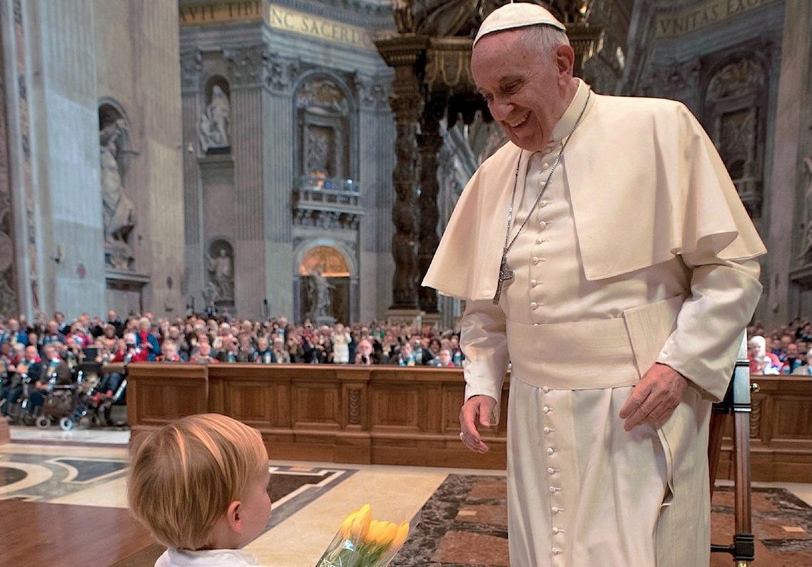El papa con los peregrinos holandeses (Foto Osservatore Romano©)