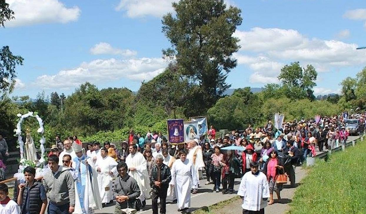Procesión mariana en Villarica - Chile (Web Iglesia.cl)