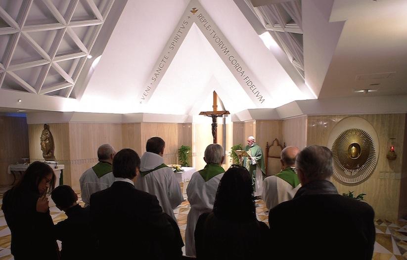 La misa en la capilla de la residencia Santa Marta (Osservatorio © Romano)