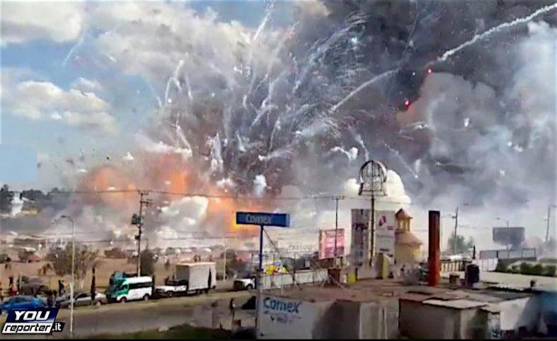 Explosión en un mercado pirotecnico en México (Youreporter.it)