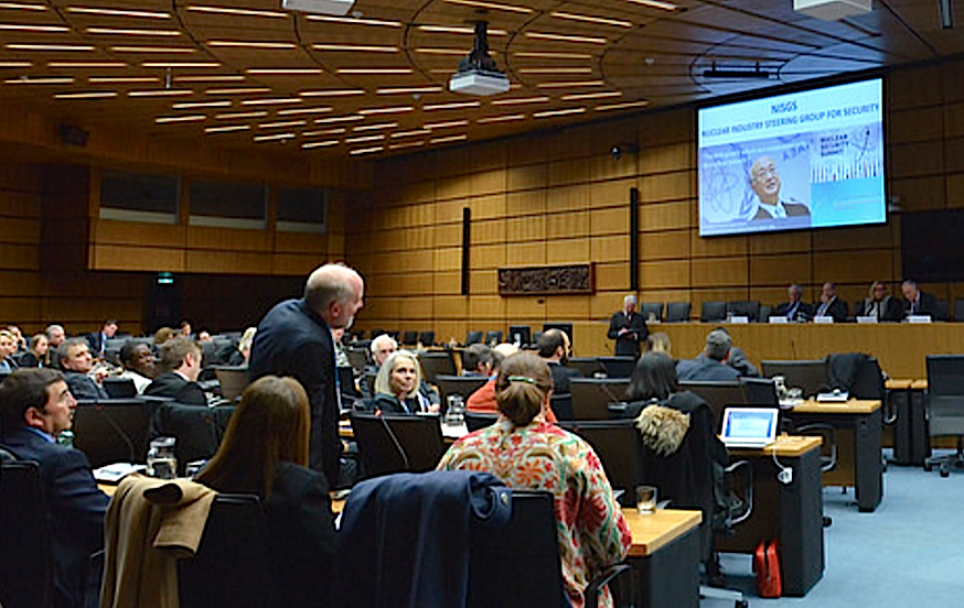 Uno de los grupos de trabajo en la OIEA (Foto Oiea Flirckr)