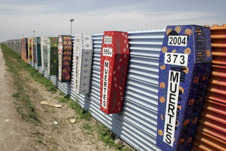 El muro ya existente entre San Diego - Tijuana (Foto Wikicommons)