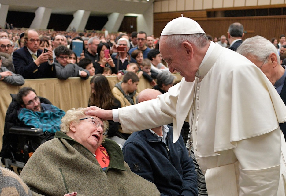 El Papa recibe a la comunidad de Capodarco (Fto. Oss. Romano ©)