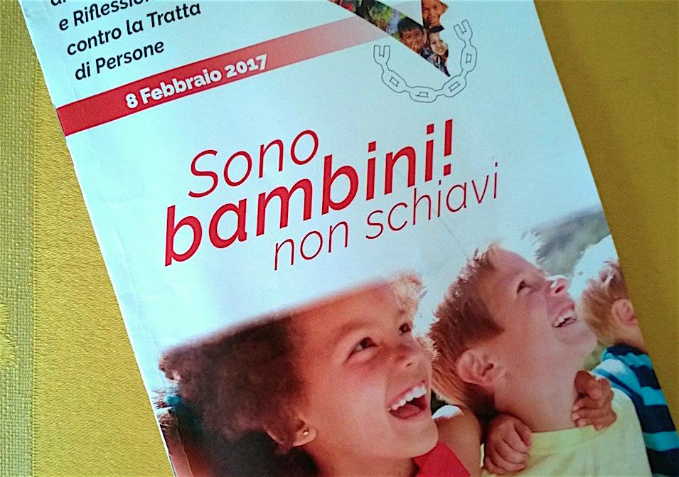 El libro 'Son niños y no esclavos' (Fto. ZENIT cc)