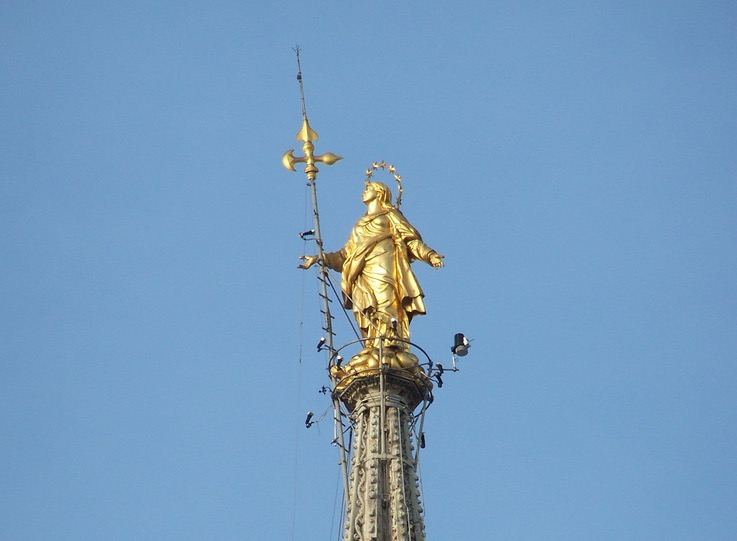 Imagen de María en el Duomo de MIlán