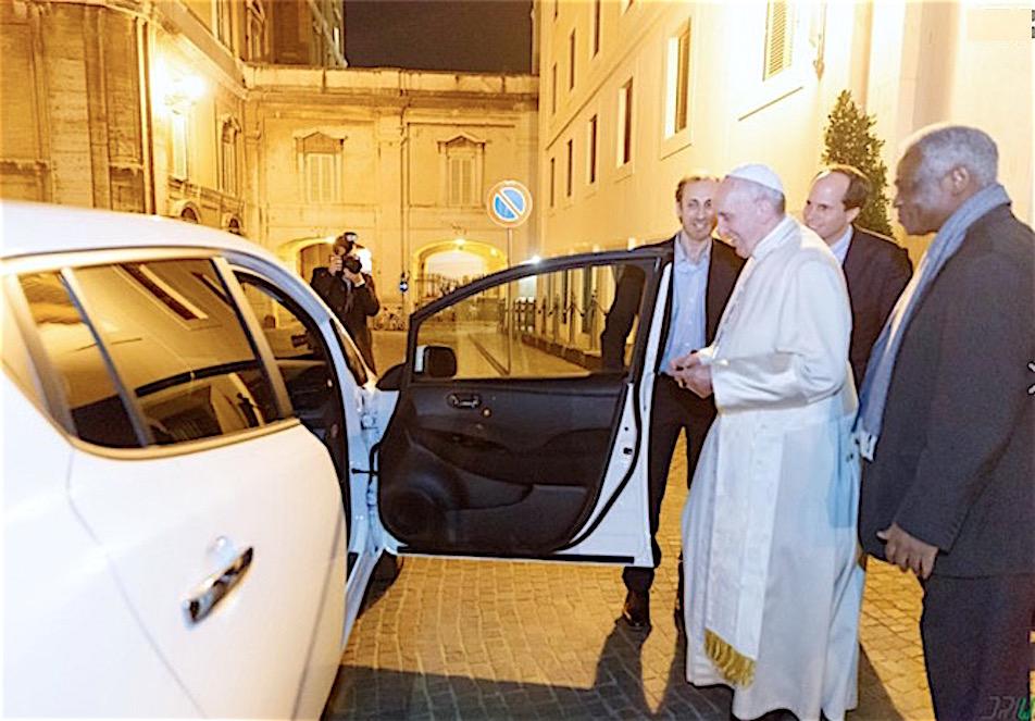 Ponen a disposición una Nissan eléctrica para el Papa Francisco (Foto cortesía DriWe)