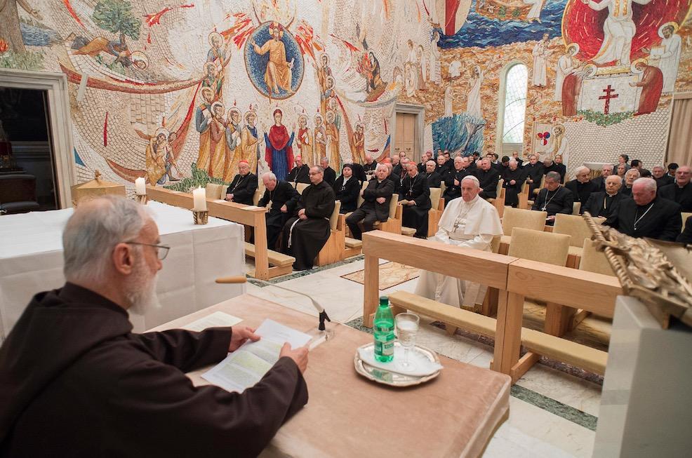 Predicación del fraile Cantalamessa (Fto. Osservatore © Romano)
