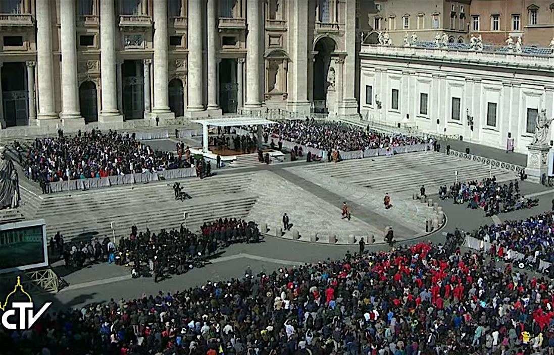 La audiencia general en la plaza de San Pedro