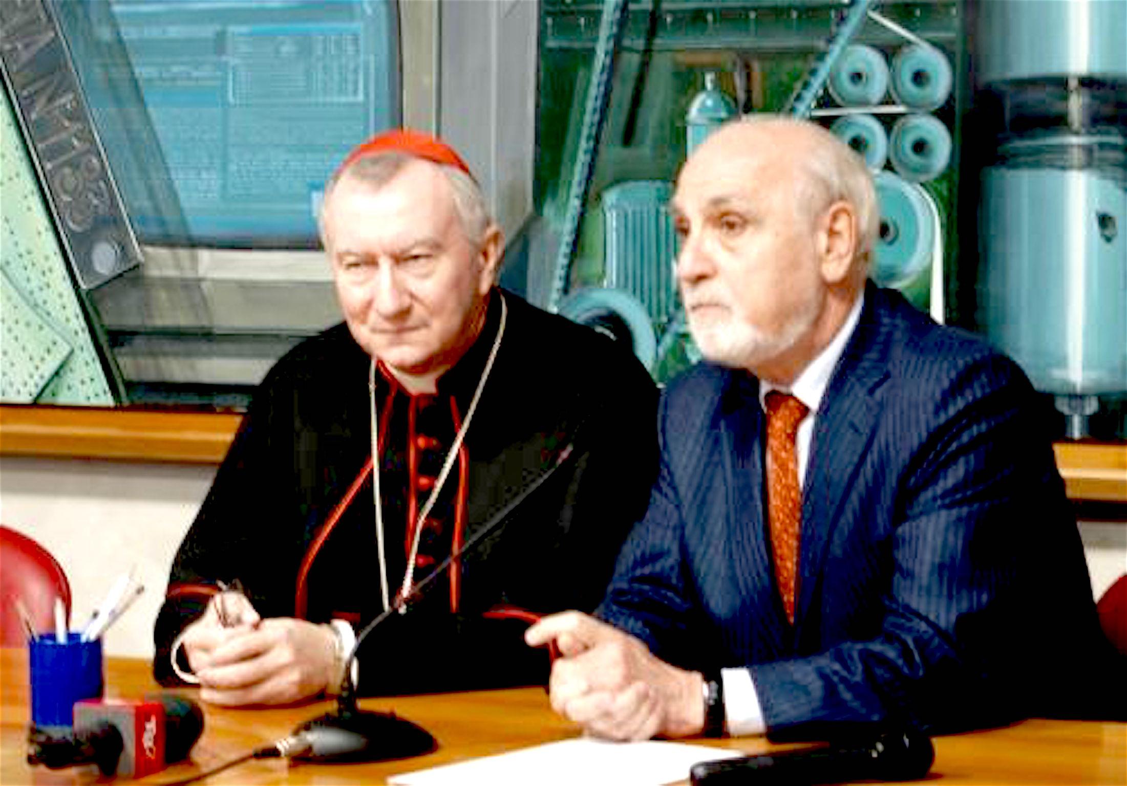El cardenal Parolín en la inauguración de la nueva sede de los periodistas italianos. (Fto. Odg)