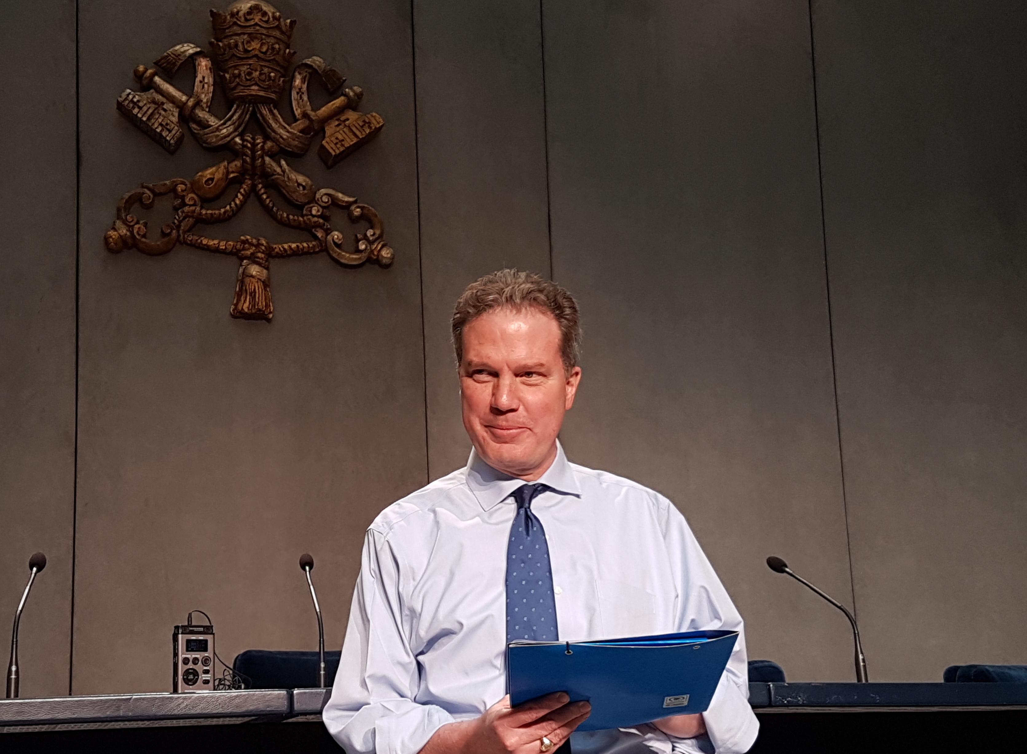 El portavoz del Vaticano en el briefing con los periodistas - 26-04-2017
