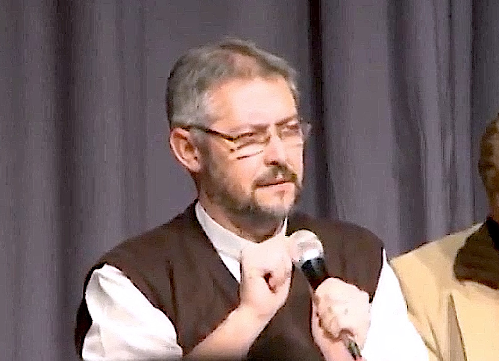 El sacerdote Jorge Eduardo Scheinig