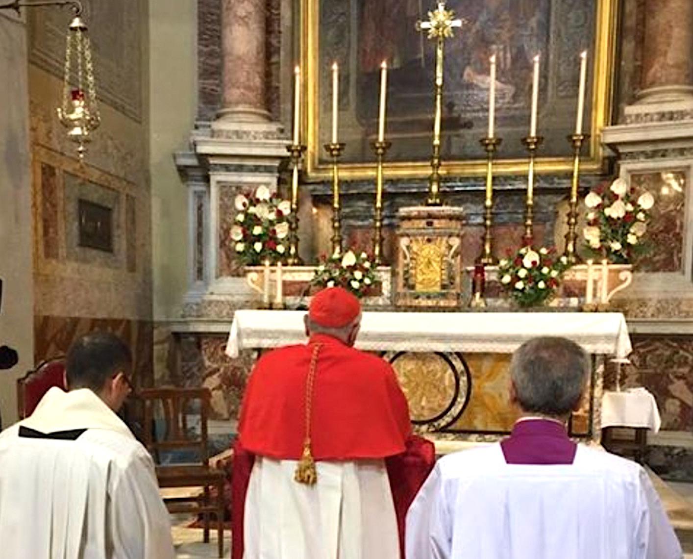 El cardenal Porras toma posesión de su iglesia en Roma