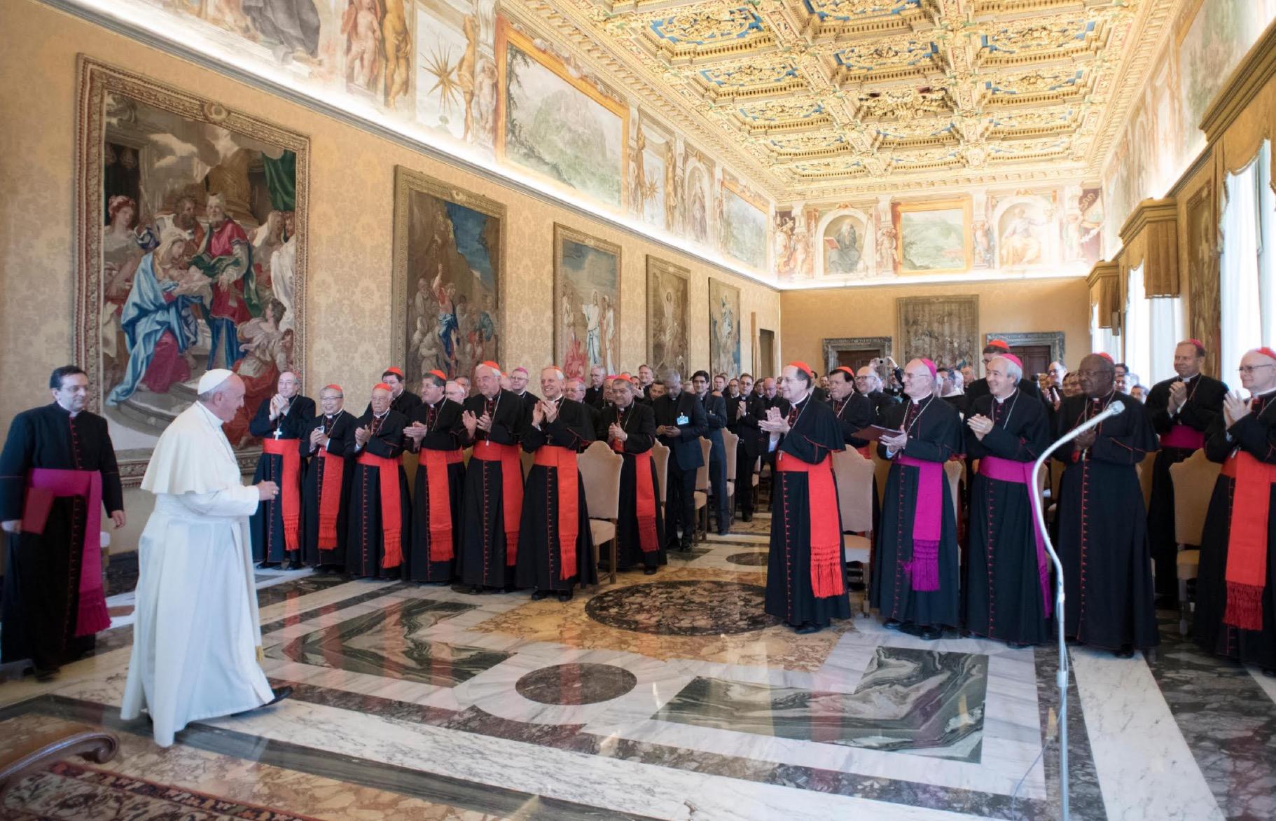 Papa con la Congregación para el Clero (Oss. © Romano)