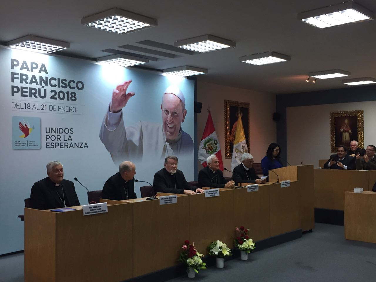 Rued de prensa en la Conferencia Episcopal de Perú © Twitter: @ElPapaenPeru