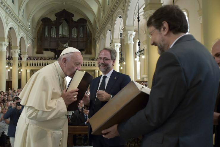 Visita del Papa al templo valdense en Turín, en 2015 © photo.va