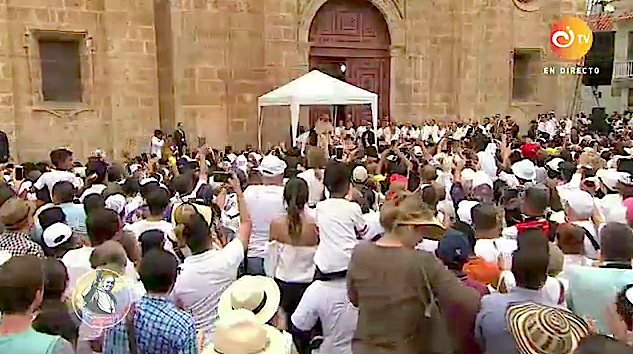 Ángelus frente al santuario de san Pedro Claver. CTV