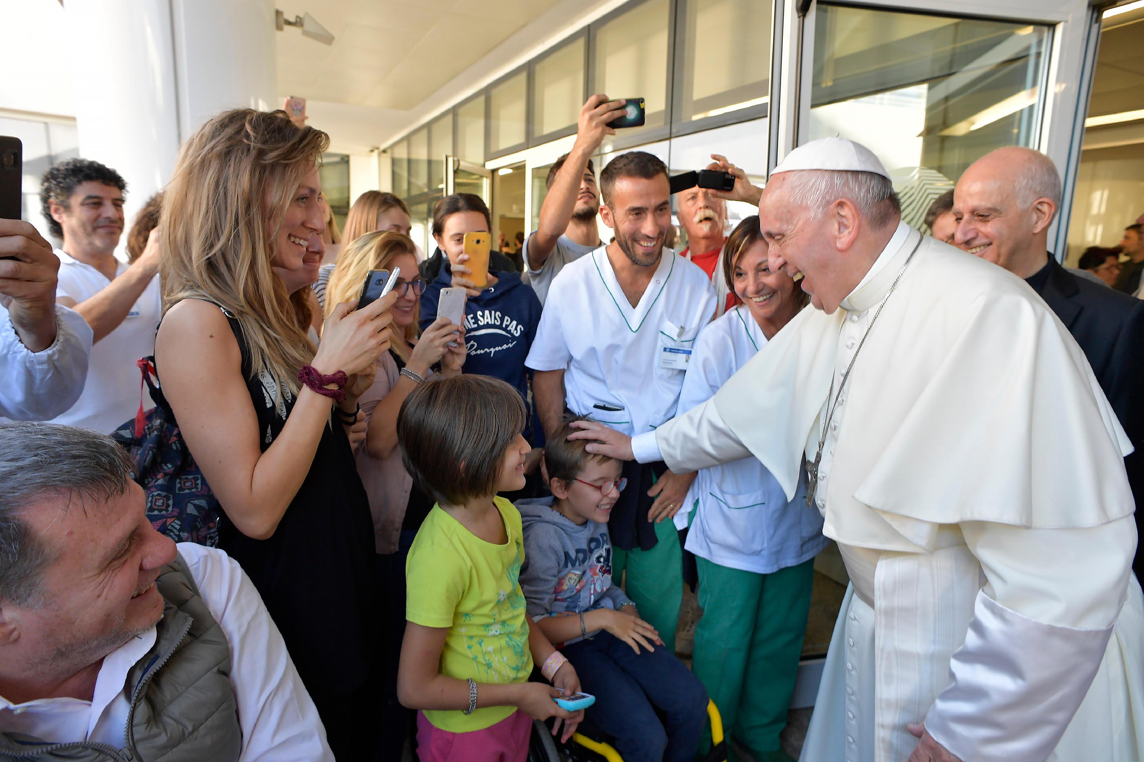 El Papa en la Fundación Santa Lucía © L´Osservatore Romano