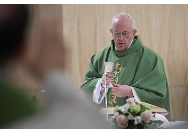 El Papa pide por las mujeres explotadas, humilladas y abusadas. © L´Osservatore Romano
