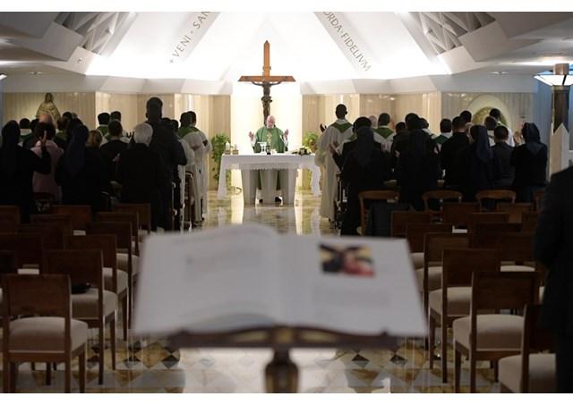 Misa en la capilla de Santa Marta © L´Osservatore Romano