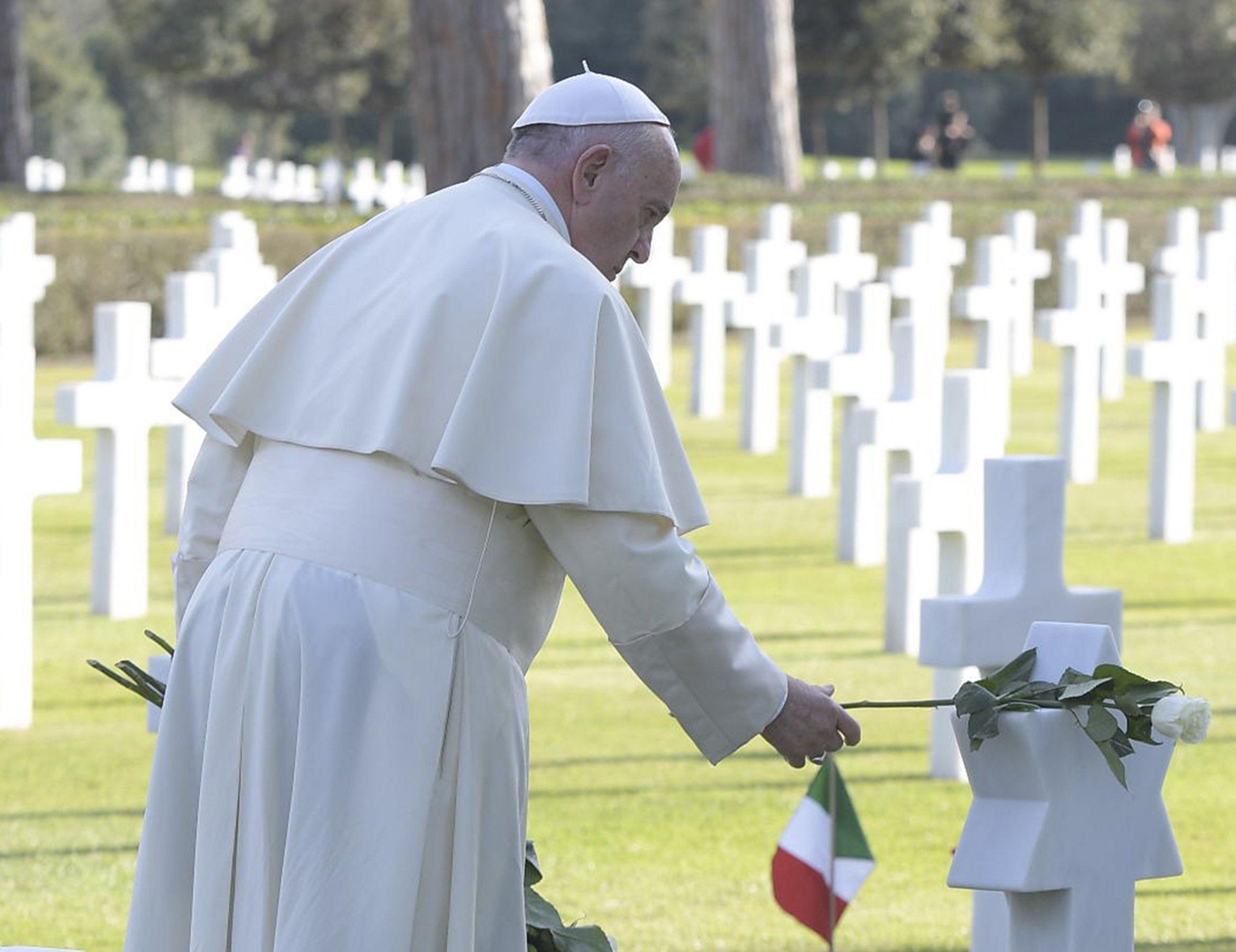 El Papa reza por las víctimas de la guerra © L'Osservatore Romano