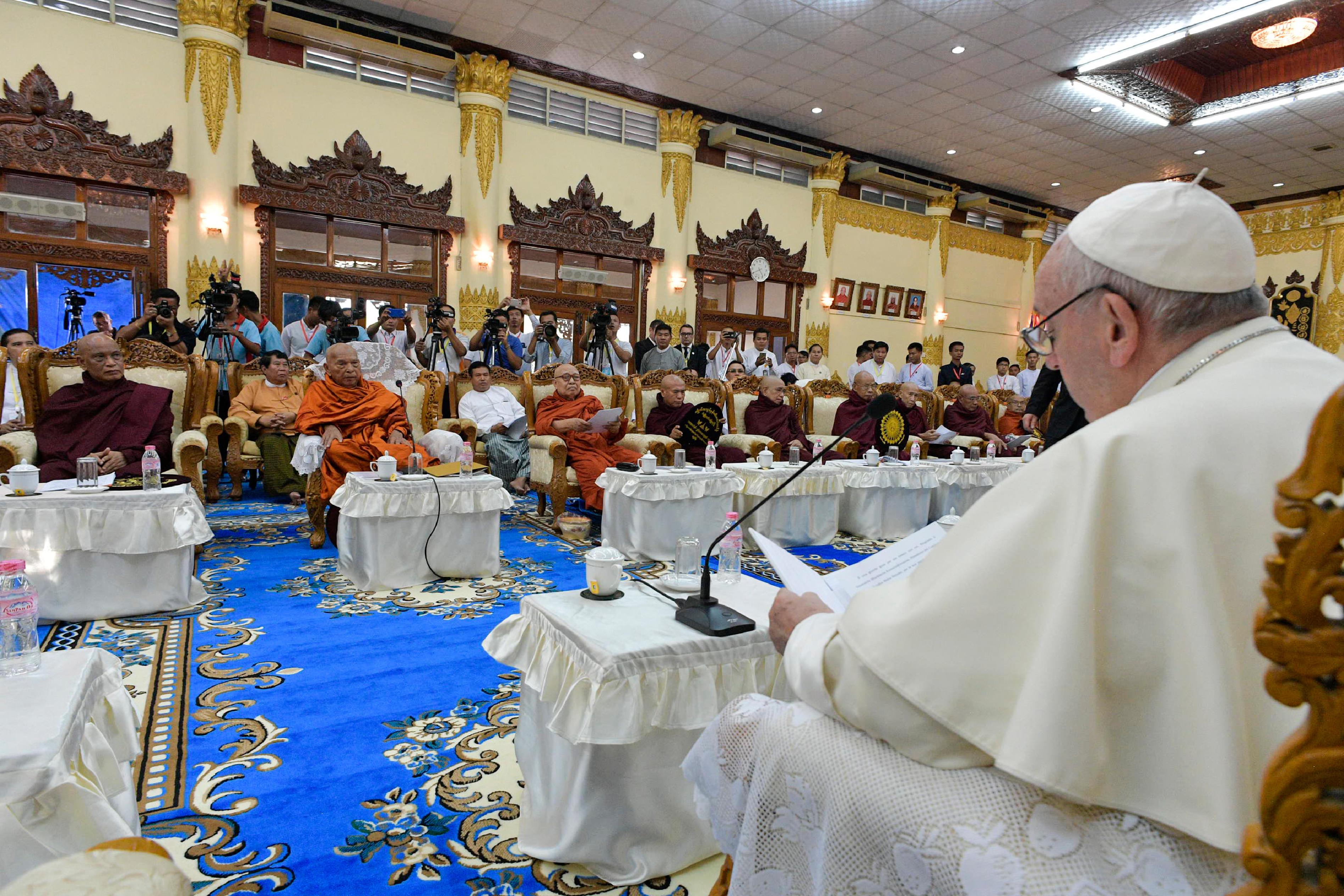 Discurso del Papa al Consejo Supremo 'Sangha' de monjes budistas © L'Osservatore Romano