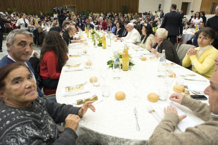 Día Mundial De Los Pobres, Comedor. Pablo VI (C) L´Osservatore Romano CTV 19-11-2017 @Servizio Fotografico - L'Osservatore Romano