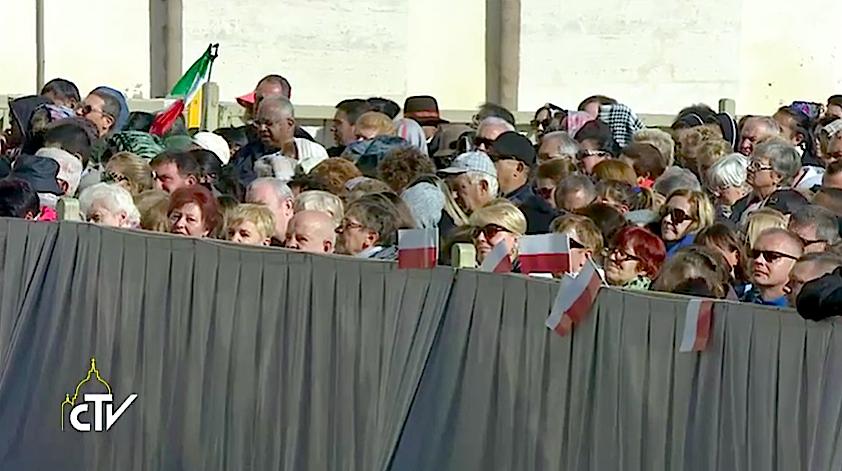 Peregrinos polacos en la Audiencia general. Captura pantalla CTV