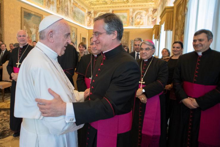 Mons. Vigano, Primera Asamblea General de la Secretaría de Comunicación © L'Osservatore Romano