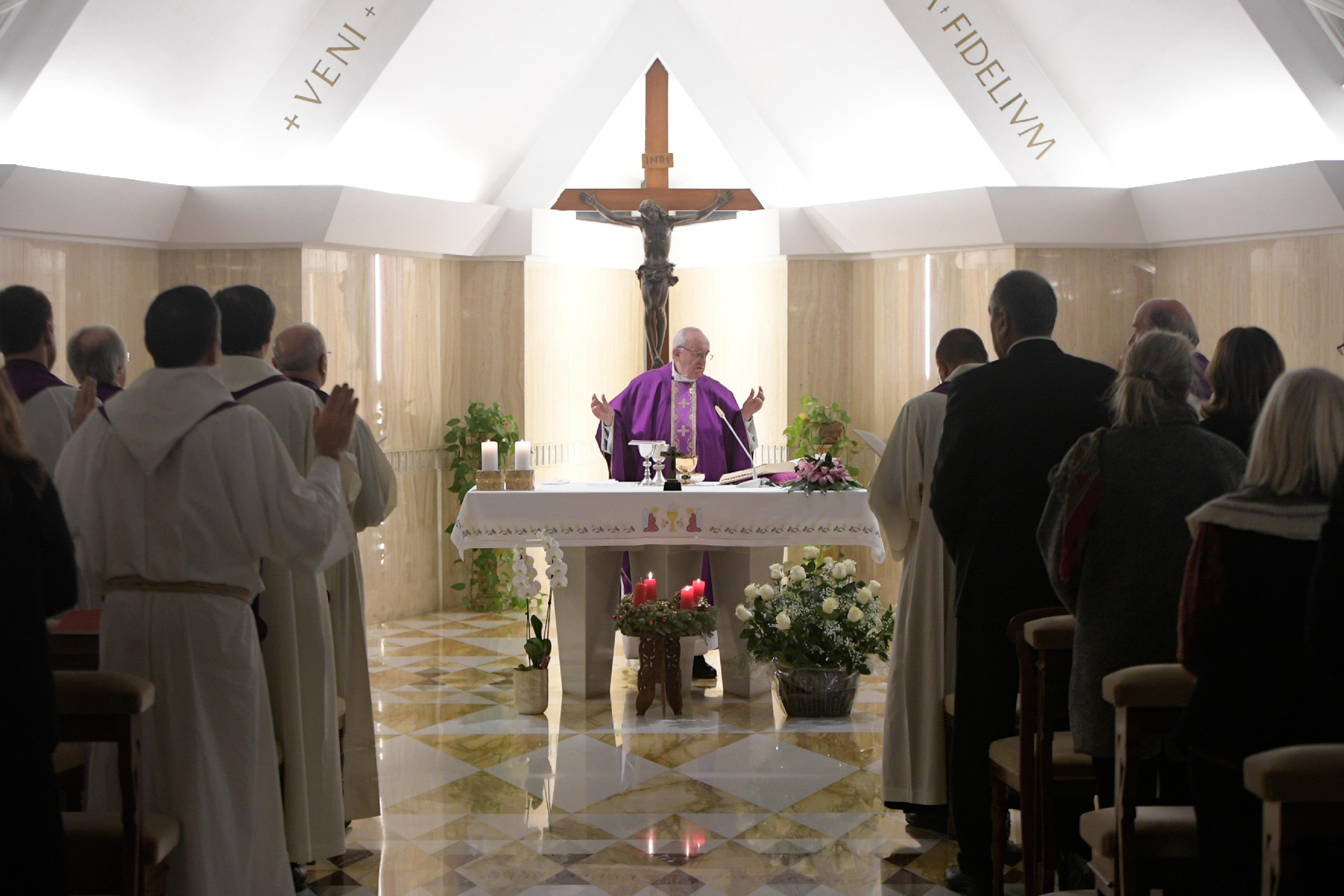 El Papa ha celebrado la Eucaristía en Santa Marta 18/12/2017 © L´Osservatore Romano