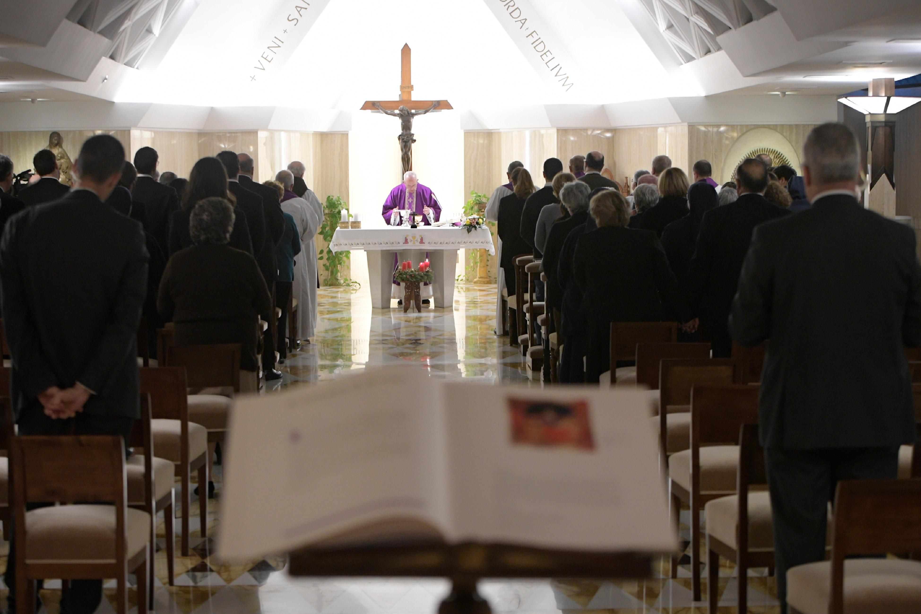 El Papa celebra la Misa en Santa Marta 11/12/2017 © L´ Osservatore Romano