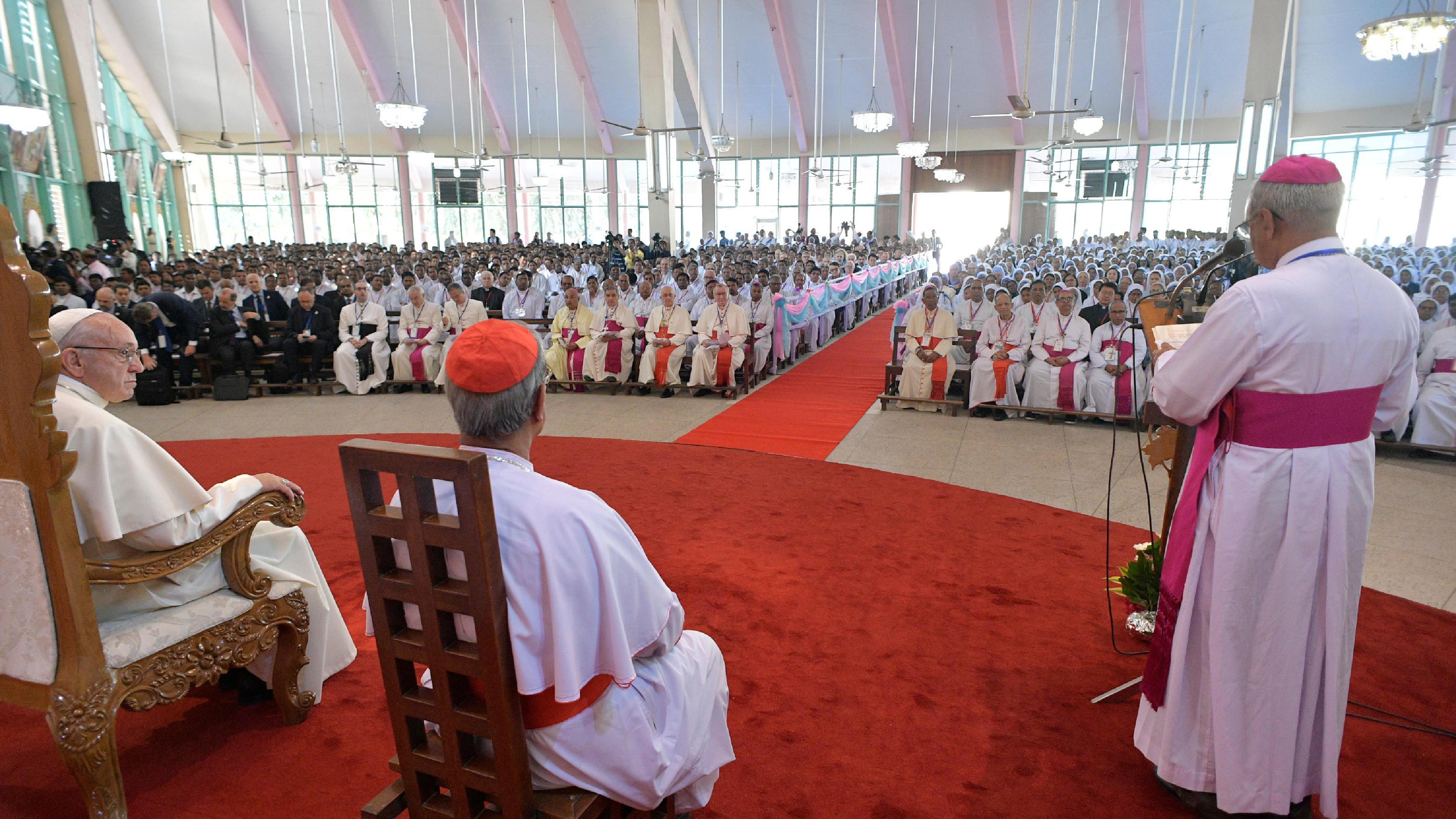 Encuentro en la Iglesia del Santo Rosario © L'Osservatore Romano
