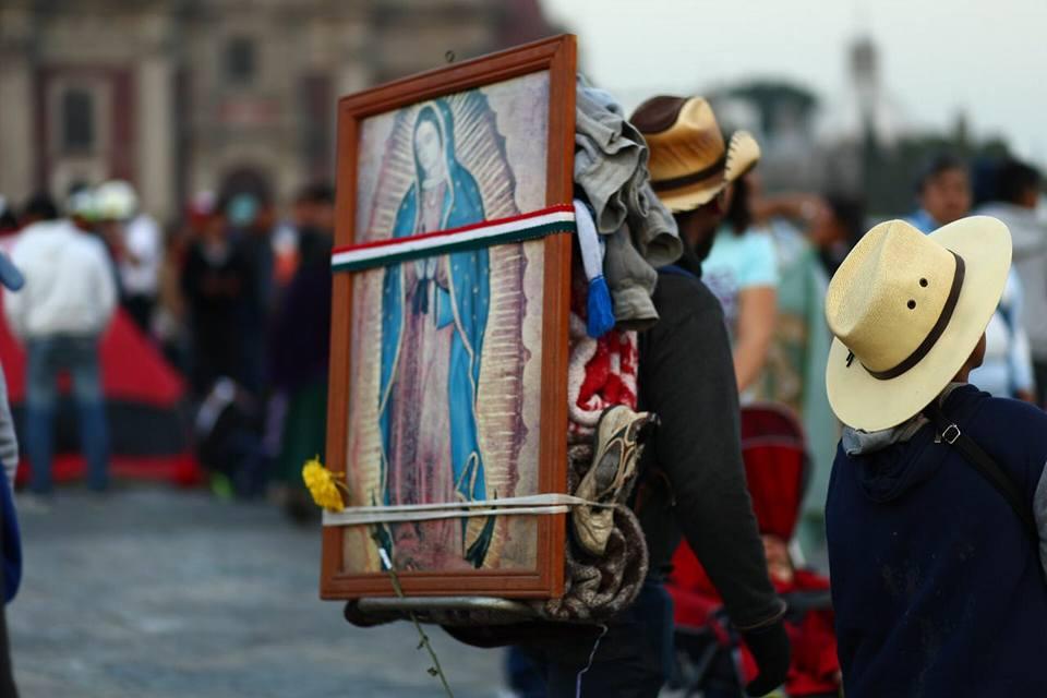 Peregrinos van al Santuario de la Virgen de Guadalupe