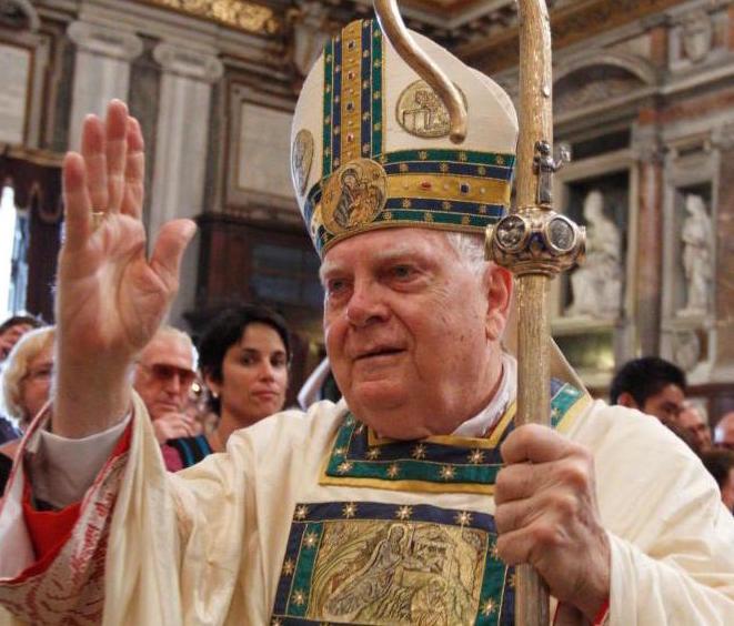 Cardenal Bernard F. Law, (CNS photo/Paul Haring)