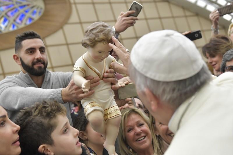El Papa felicita la Navidad en la Audiencia general © L'Osservatore Romano
