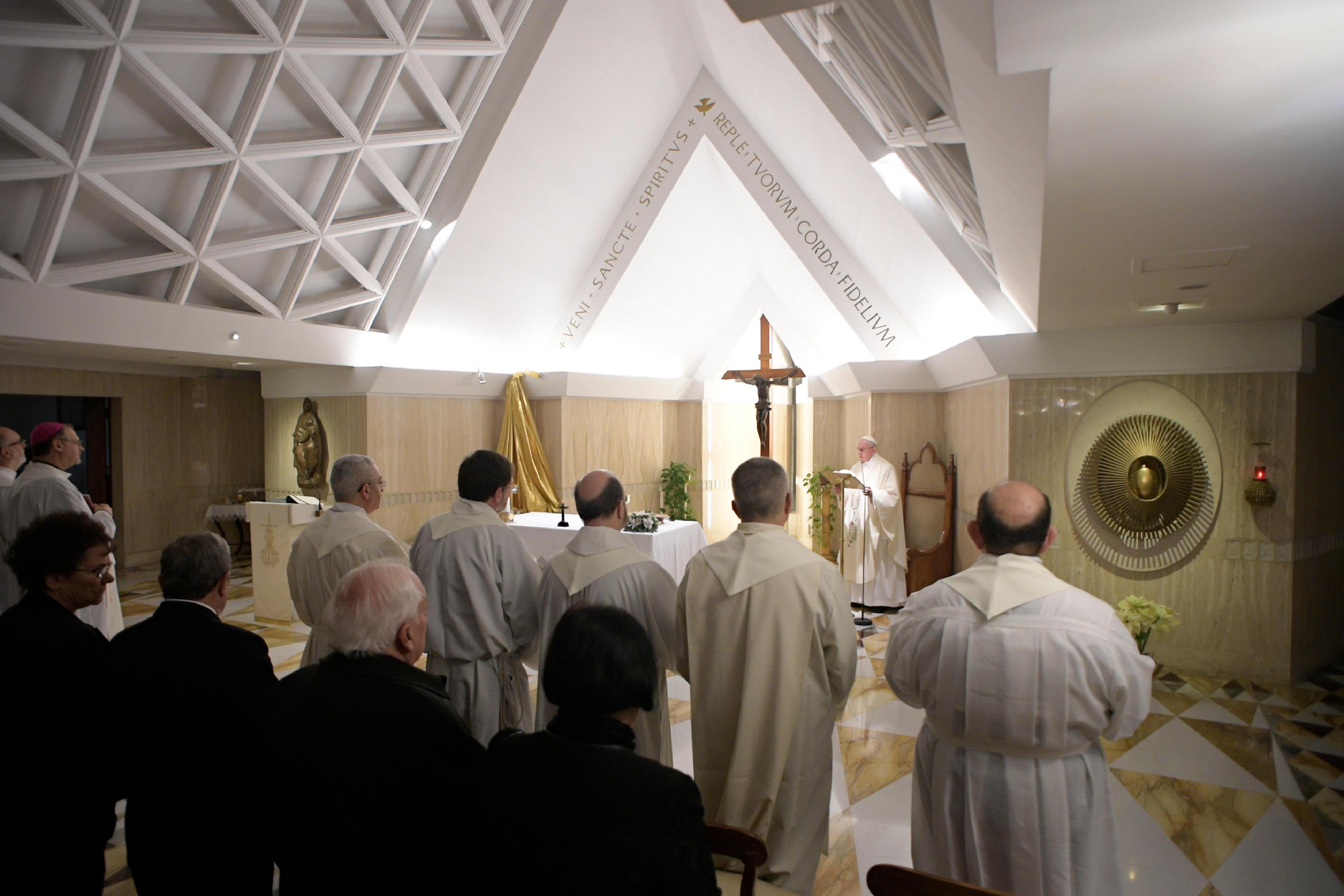 El Papa celebra Misa en Santa Marta © L´Osservatore Romano