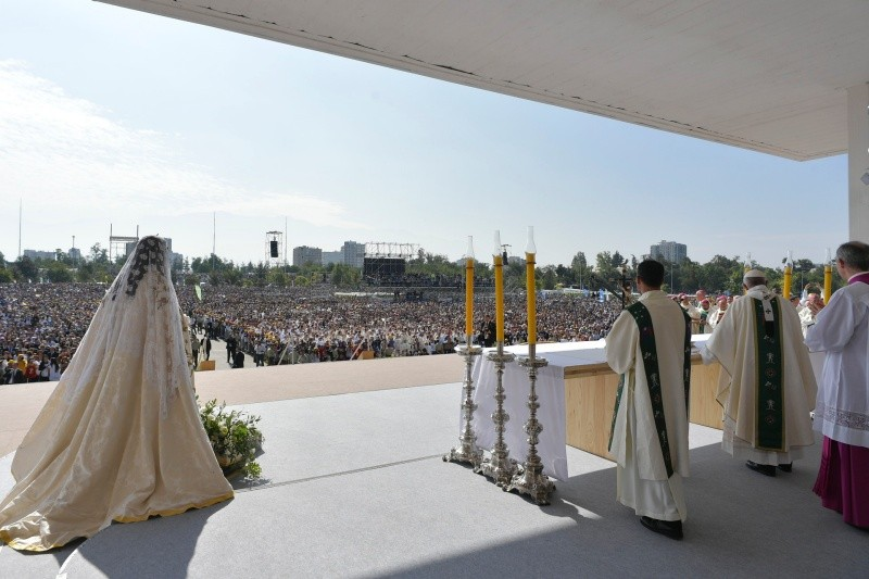 El Papa Francisco preside la Misa en Santiago de Chile © L'Osservatore Romano