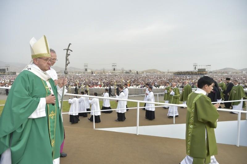 El Papa preside la Misa en Lima ante 1.300.000 fieles © Vatican Media