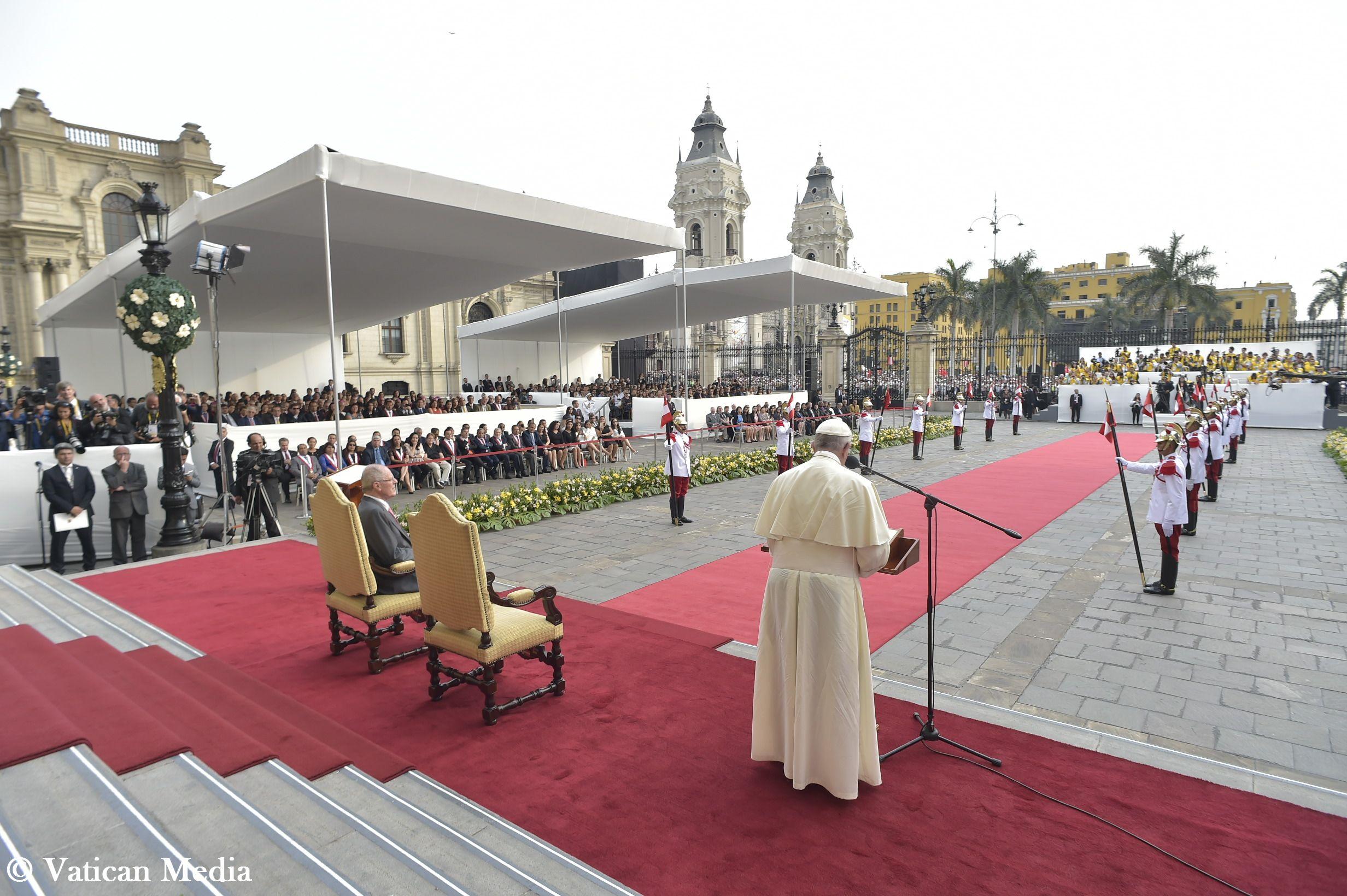 El Papa en el Palacio de Gobierno de Lima © Vatican Media
