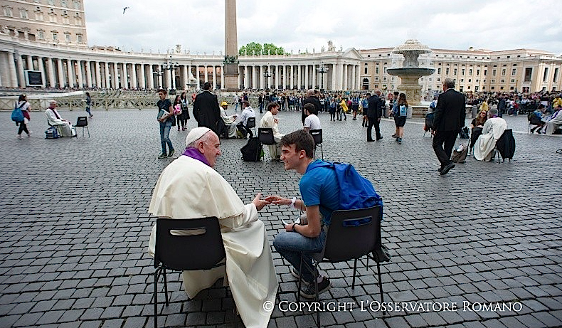 El Papa Francisco administra el Sacramento del perdón © Vatican Media