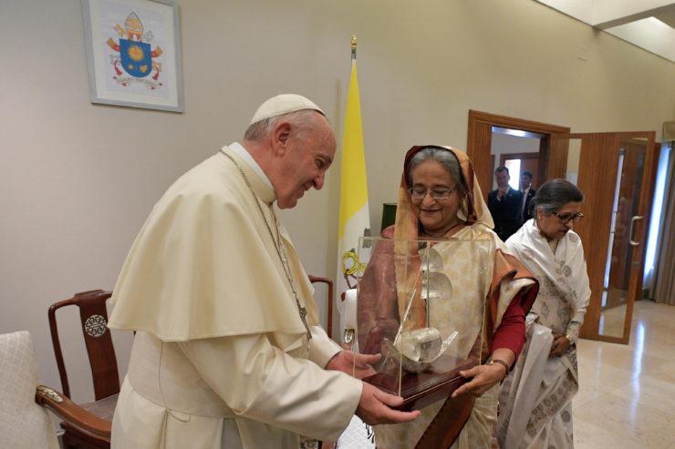Encuentro del Papa con Sheikh Hasina, Primera Ministra de Bangladesh © L'Osservatore Romano