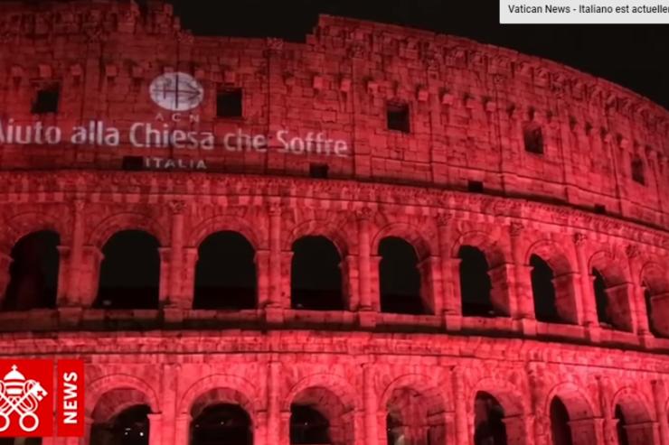 Coliseo en rojo-©-Vatican-News-
